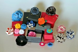 Your lapel flowers can range in color, pattern and detailing to keep things interesting
